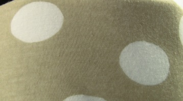 white_bubble-beauty_case_1-interior-close_up